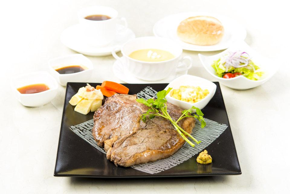 ★Tボーンステーキ ディナー