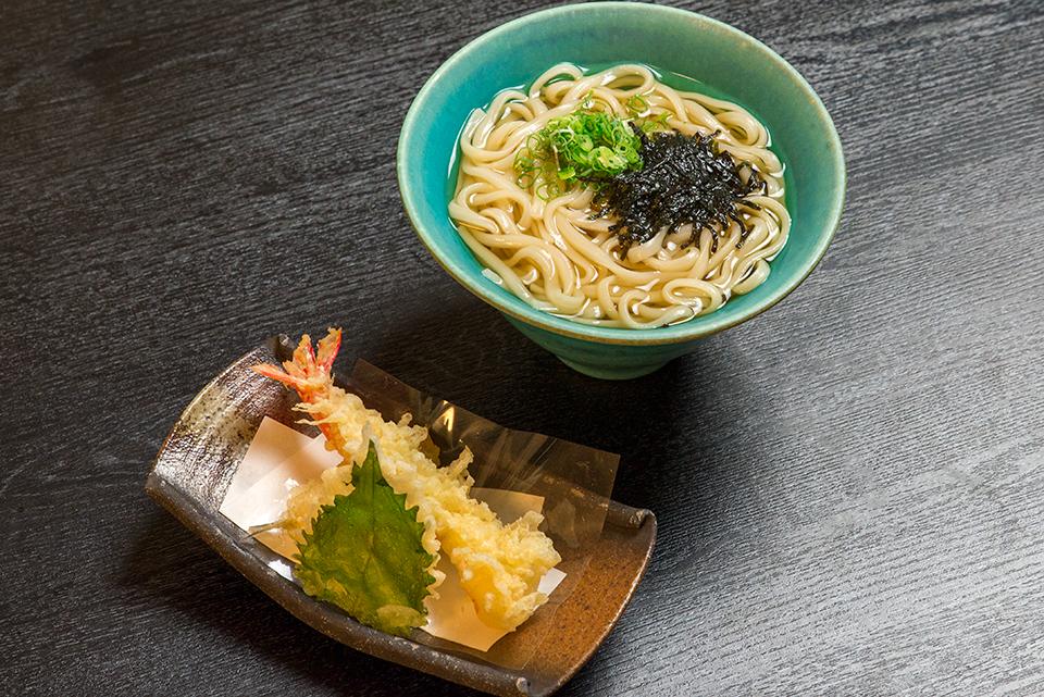 蕎麦とうどん (天麩羅又は鰊にしん)