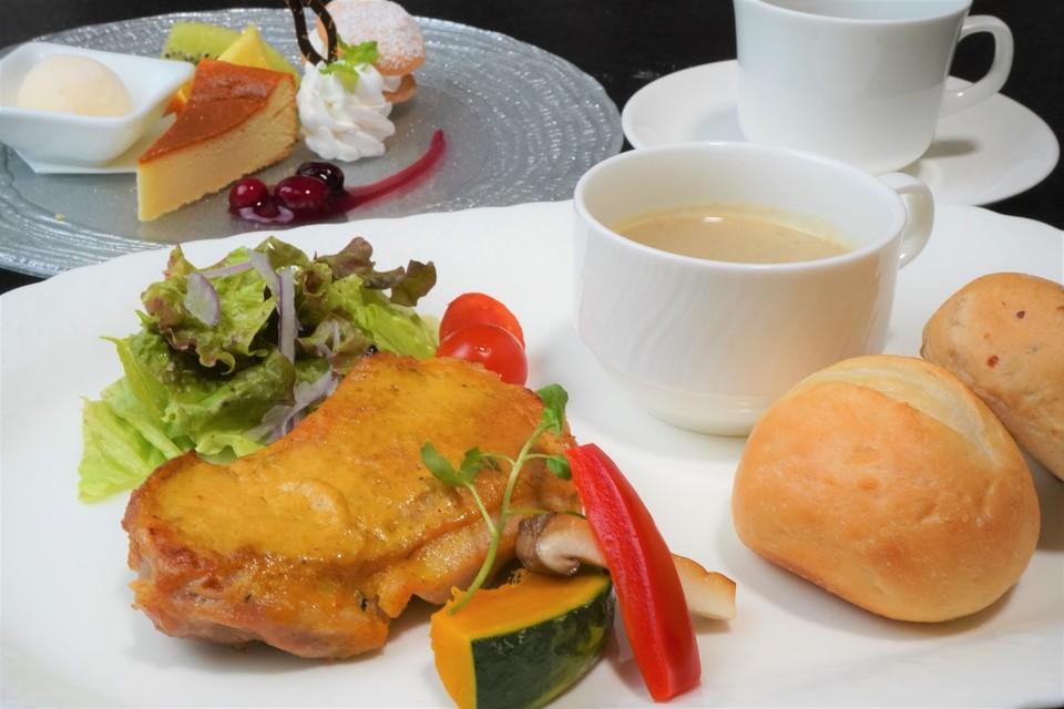 「秋のランチいただきますスタンプラリー」岡山県産森林鶏のワンプレートランチ