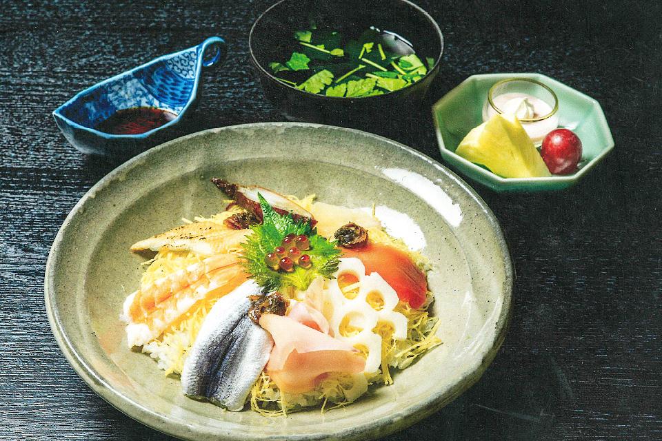 鄙に還る彩り寿司